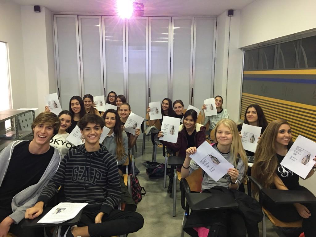 Escuela de modelo doble erre (1)